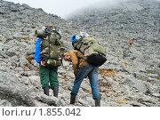 Восхождение туристов на перевал, фото № 1855042, снято 5 июля 2010 г. (c) Кекяляйнен Андрей / Фотобанк Лори