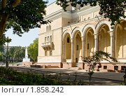 Купить «Ташкент. Здание театра имени Алишера Навои», фото № 1858242, снято 21 августа 2009 г. (c) Татьяна Нафикова / Фотобанк Лори