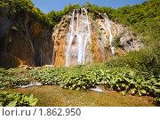 Купить «Водопад в дикой природе», фото № 1862950, снято 12 июля 2010 г. (c) Николай Винокуров / Фотобанк Лори