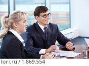 Купить «Бизнесмены в офисе», фото № 1869554, снято 17 июня 2010 г. (c) Raev Denis / Фотобанк Лори