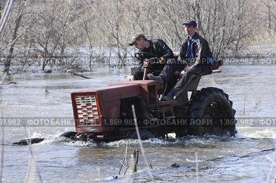 Весеннее наводнение в Новосибирской области (2010 год). Редакционное фото, фотограф Мари Весна / Фотобанк Лори