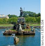 Купить «Фонтан в летнем саду», фото № 1876334, снято 14 июля 2010 г. (c) Виктория Кириллова / Фотобанк Лори
