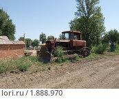 Купить «Старый бульдозер», фото № 1888970, снято 5 июля 2020 г. (c) Константин Босов / Фотобанк Лори