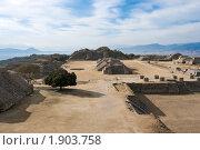 Древние руины на плато Монте-Альбан в Мексике (2008 год). Стоковое фото, фотограф Дмитрий Рухленко / Фотобанк Лори