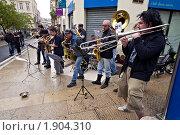 Купить «Монпелье, Франция - Уличный ансамбль», фото № 1904310, снято 8 мая 2010 г. (c) Евгений Прокофьев / Фотобанк Лори