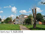 Купить «Углич. Дом XIX века», эксклюзивное фото № 1928854, снято 14 августа 2010 г. (c) lana1501 / Фотобанк Лори