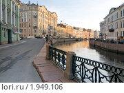 Купить «Санкт-Петербург. Река Мойка», эксклюзивное фото № 1949106, снято 31 августа 2010 г. (c) Александр Алексеев / Фотобанк Лори