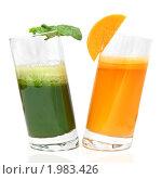 Купить «Овощной сок», фото № 1983426, снято 18 сентября 2009 г. (c) Ярослав Данильченко / Фотобанк Лори