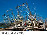 Рыболовецкие суда в порту. Стоковое фото, фотограф Konstantin / Фотобанк Лори