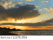 Купить «Закат на Волге», фото № 2078954, снято 10 апреля 2009 г. (c) Алёшина Оксана / Фотобанк Лори