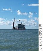 Специализированное судно для проводки газопровода по дну Черного моря. Стоковое фото, фотограф Денис Шашкин / Фотобанк Лори