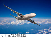 Купить «Самолет в небе», фото № 2098922, снято 14 июня 2010 г. (c) Екатерина Тарасенкова / Фотобанк Лори
