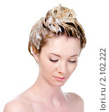 Купить «Девушка с намыленной головой», фото № 2102222, снято 21 мая 2010 г. (c) Валуа Виталий / Фотобанк Лори