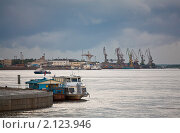 Купить «Порт Благовещенска», фото № 2123946, снято 20 июля 2007 г. (c) Вадим Морозов / Фотобанк Лори