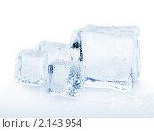 Купить «Кубики льда», фото № 2143954, снято 12 ноября 2010 г. (c) Максим Пименов / Фотобанк Лори