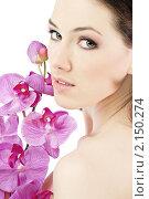 Купить «Портрет красивой девушки с орхидеями», фото № 2150274, снято 14 декабря 2009 г. (c) Константин Юганов / Фотобанк Лори