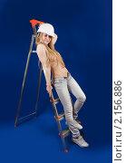 Купить «Привлекательная девушка с дрелью», фото № 2156886, снято 23 апреля 2010 г. (c) Яков Филимонов / Фотобанк Лори