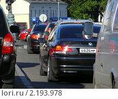 Купить «Машины в пробке», эксклюзивное фото № 2193978, снято 21 июня 2010 г. (c) lana1501 / Фотобанк Лори