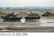 Танки T-90 (2010 год). Редакционное фото, фотограф Владимир Журавлев / Фотобанк Лори