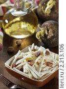 Купить «Салат из редьки с фисташками с заправкой из масла», эксклюзивное фото № 2213106, снято 11 ноября 2010 г. (c) Лидия Рыженко / Фотобанк Лори