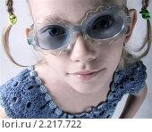 Девочка в солнечных очках. Стоковое фото, фотограф Алена Романова / Фотобанк Лори