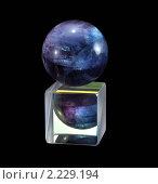 Купить «Минерал флюорит на призме», фото № 2229194, снято 19 декабря 2010 г. (c) Частоколенко Борис Леонтьевич / Фотобанк Лори