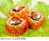 """Купить «Суши (роллы урамаки """"Калифорния""""), японская кухня», фото № 2234866, снято 21 октября 2009 г. (c) ElenArt / Фотобанк Лори"""