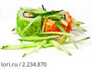 """Купить «Суши ( роллы урамаки """"Калифорния"""" ), японская кухня», фото № 2234870, снято 21 октября 2009 г. (c) ElenArt / Фотобанк Лори"""