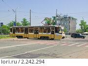 Купить «Трамвай в Ростокино», эксклюзивное фото № 2242294, снято 8 мая 2010 г. (c) Алёшина Оксана / Фотобанк Лори