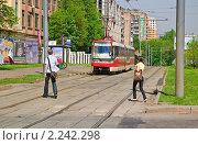 Купить «Трехвагонный трамвай КТ-3 в Ростокино», эксклюзивное фото № 2242298, снято 8 мая 2010 г. (c) Алёшина Оксана / Фотобанк Лори