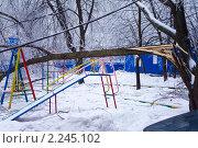 Купить «Последствия ледяного шторма в Москве. 26 декабря 2010 года», фото № 2245102, снято 26 декабря 2010 г. (c) Сергей Лаврентьев / Фотобанк Лори