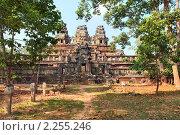 Общий вид древнего кхмерского храма Та Кео в храмовом комплексе Ангкор Ват, Сием Риап, Камбоджа (2010 год). Стоковое фото, фотограф Николай Винокуров / Фотобанк Лори