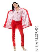 Купить «Брюнетка в красном», фото № 2257454, снято 3 октября 2009 г. (c) Сергей Сухоруков / Фотобанк Лори