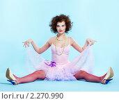 Купить «Молодая брюнетка», фото № 2270990, снято 13 апреля 2010 г. (c) Serg Zastavkin / Фотобанк Лори