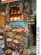 Купить «Сувенирная лавка. Агиос Николаос, Крит, Греция», эксклюзивное фото № 2275334, снято 15 августа 2010 г. (c) Щеголева Ольга / Фотобанк Лори