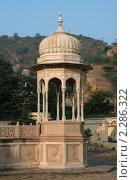 Купить «Старинная ротонда Джайпуре, Индия», фото № 2286322, снято 4 декабря 2010 г. (c) Вера Тропынина / Фотобанк Лори