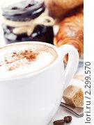 Купить «Варенье, кофе и круассаны», фото № 2299570, снято 21 января 2011 г. (c) Наталия Кленова / Фотобанк Лори
