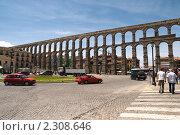 Римский акведук в Сеговии (2009 год). Редакционное фото, фотограф Elena Monakhova / Фотобанк Лори