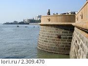 Купить «Набережная возле Ворот Индии в Мумбае (Бомбей)», фото № 2309470, снято 7 декабря 2010 г. (c) Вера Тропынина / Фотобанк Лори