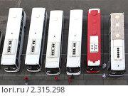 Купить «Рейсовые автобусы на стоянке», фото № 2315298, снято 13 апреля 2010 г. (c) Losevsky Pavel / Фотобанк Лори