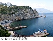Купить «Ласточкино гнездо, бухта», фото № 2318646, снято 5 июля 2010 г. (c) Павел Кричевцов / Фотобанк Лори