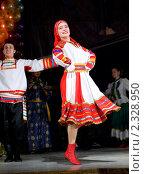 Купить «Русские народные танцы», фото № 2328950, снято 10 февраля 2010 г. (c) Александр Подшивалов / Фотобанк Лори