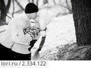 Купить «Влюбленная пара на улице», фото № 2334122, снято 6 марта 2010 г. (c) Анна Лисовская / Фотобанк Лори