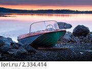 Купить «Рыбацкий катер на каменистом берегу», фото № 2334414, снято 4 июля 2010 г. (c) Михаил Иванов / Фотобанк Лори