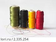 Разноцветные шелковые нитки. Стоковое фото, фотограф Олыкайнен Наталья / Фотобанк Лори