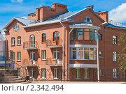Купить «Современный кирпичный дом. Псков», фото № 2342494, снято 30 июля 2010 г. (c) Оксана Гильман / Фотобанк Лори