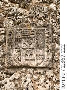 Герб на каменной стене в Бургосе (2009 год). Стоковое фото, фотограф Elena Monakhova / Фотобанк Лори