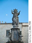 Купить «Статуя Богородицы около Кафедрального собора Успения Богородицы Сантандера», фото № 2386798, снято 30 июня 2009 г. (c) Elena Monakhova / Фотобанк Лори