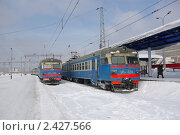 Купить «Электрички  ЭР9Е на вокзале в Казани», фото № 2427566, снято 7 марта 2011 г. (c) Марина К. / Фотобанк Лори