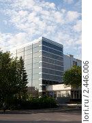 Купить «Офисное здание в Уфе», фото № 2446006, снято 3 июля 2008 г. (c) Михаил Валеев / Фотобанк Лори